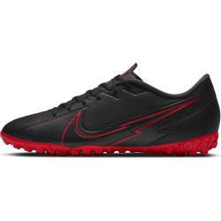 NIKE Chaussures de football...