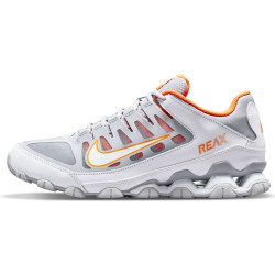 NIKE Chaussures...